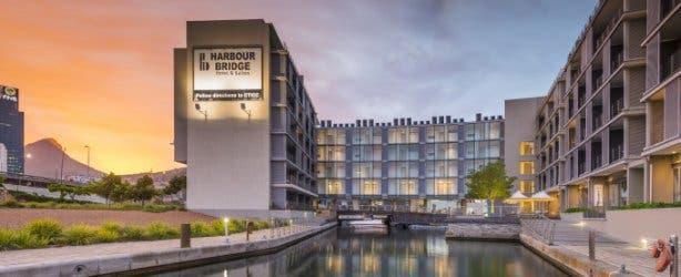 Harbour Bridge Hotel 1