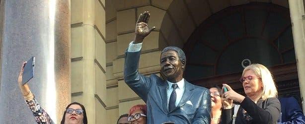 Mandela stat