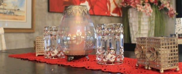 Tables at the Red Leaf wine estate restuarant Beyerskloof