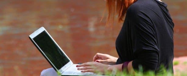 lady laptop
