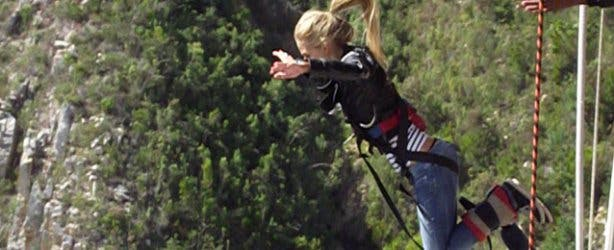 Marijn bunji jumping