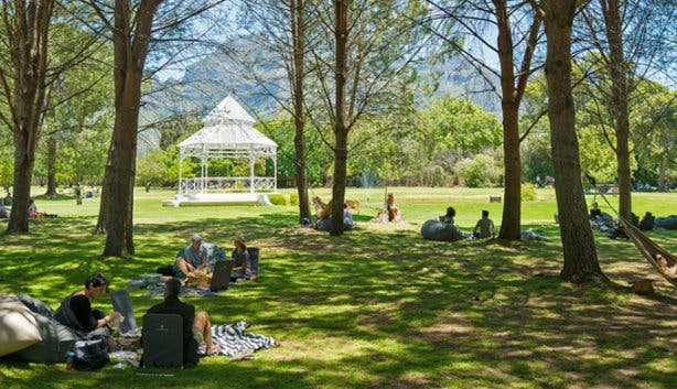Full Moon Picnic at Boschendal 2