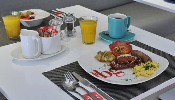 Breakfast at RBG Park Inn Cape Town