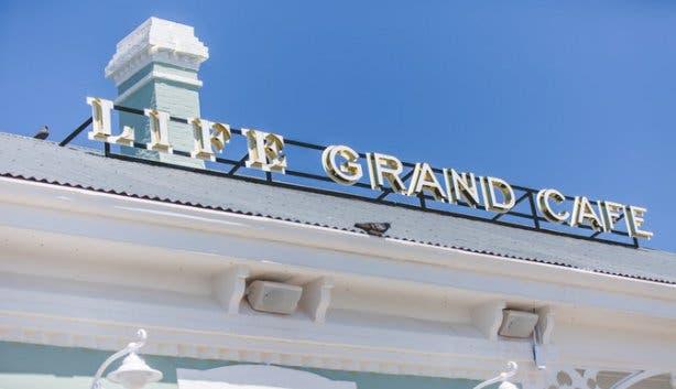 LIFE Grand Cafe