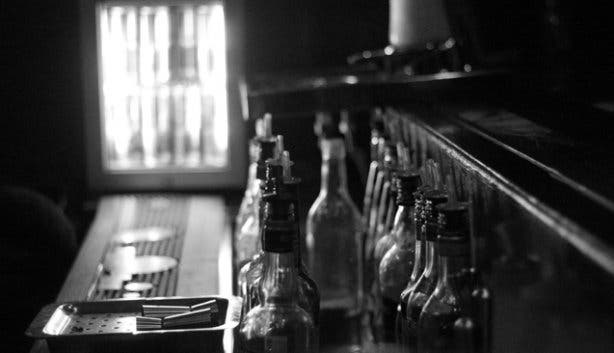Julep Bar Black and White
