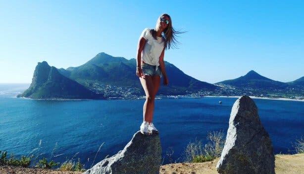 lindsey de jong route 44 chapmans peak selfie