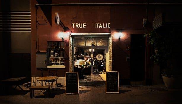 True Italic Entrance