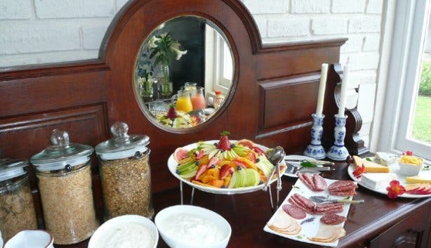 Hermanus Beach Villa Breakfast