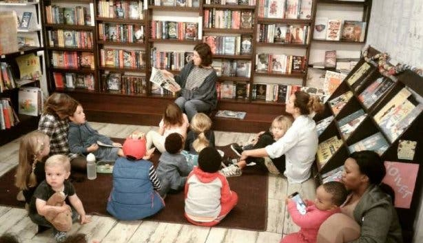 book_lounge_story_time
