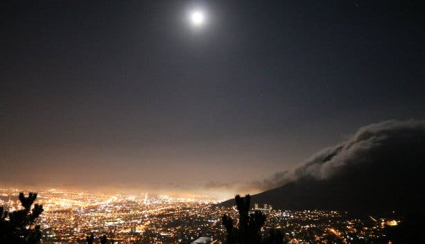 lions head full moon