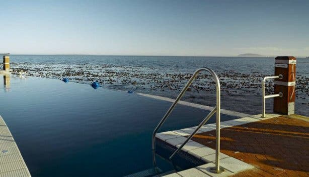 Pool at Radisson Blu Waterfront Cape Town