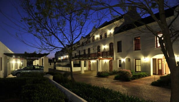 Kleine Zalze Lodge in Stellensbosch at night