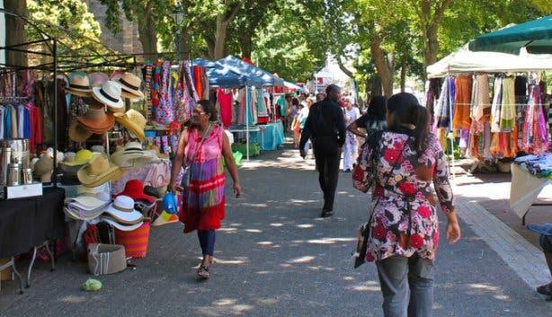 Cape Summer Christmas Market in Company's Garden