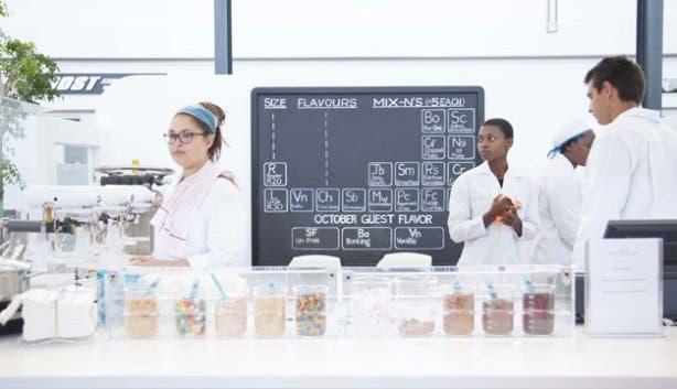 Liquid Nitrogen Ice Cream Shop