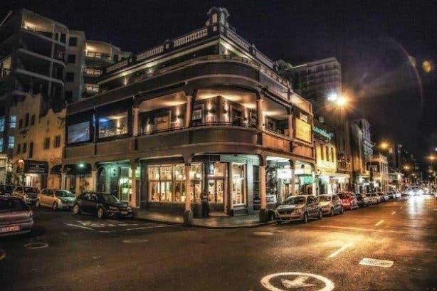 Lola's Long Street
