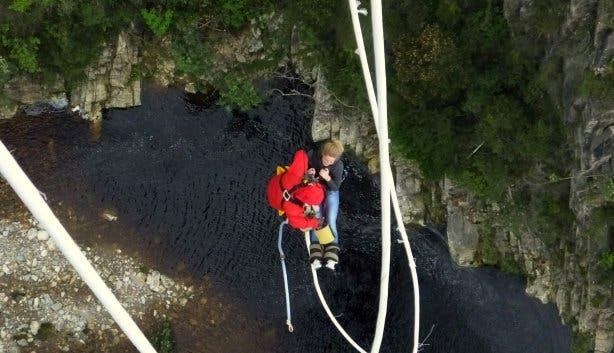 Ninih bungee jump