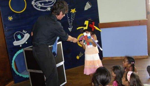 Planet Kids magician