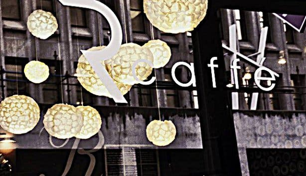 Rcaffé Décor front window