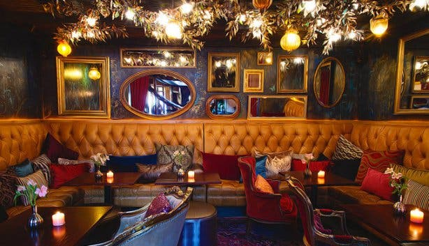 Queen's Room Lounge at Asoka