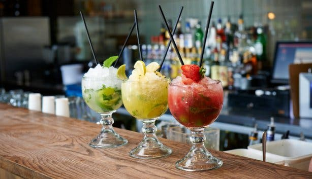 hudsons burger joint cocktails