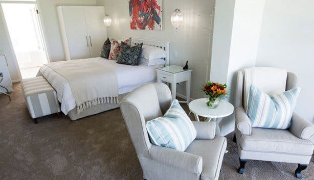 Benguela Lakeside Lodge Luxury Room