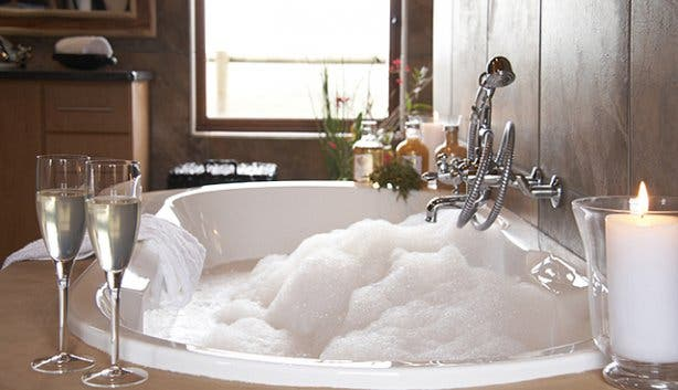 Bubble bath at Bush Villas at Gondwana