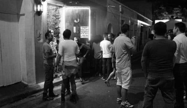 Julep bar outside