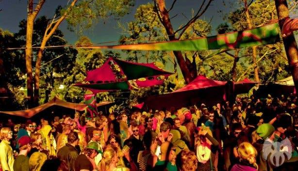 Alien Safari trance party people