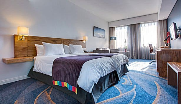 Park Inn Cape Town Foreshore business suite