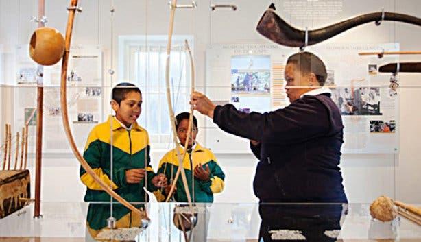Music van de Caab Museum Musical Instruments