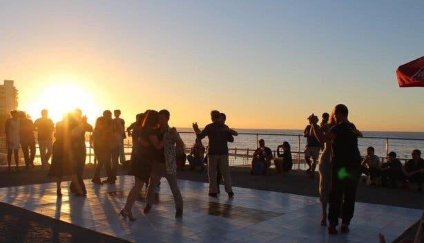 Tango on sea point promenade