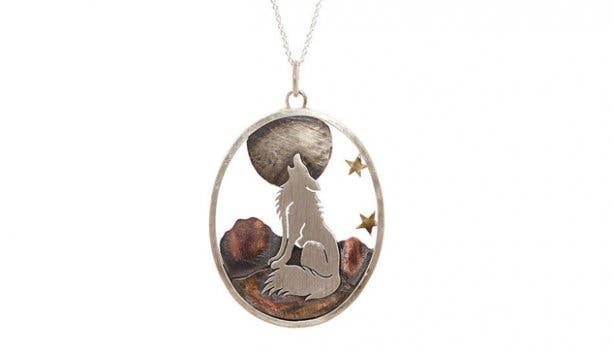 KIN-Forever-Love-Necklace-Wolf-howling-at-the-moon_1024x1024.jpg