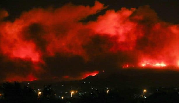 Fire in Cape Town march 2015