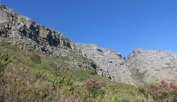 Hi tek Hiking Devils Peak