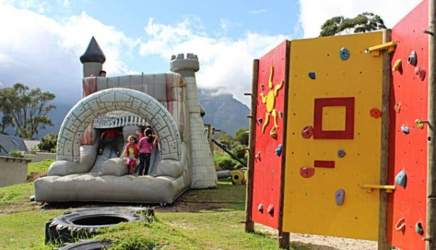 Clay Cafe jumping castle