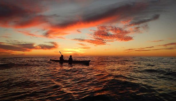 sea kayaking sunset 2