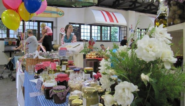 Blue Bird Market jams