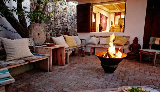 Villa Out of this World Fire Pit
