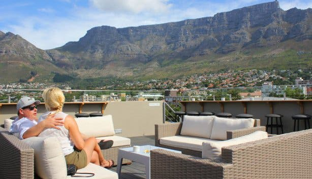 cloud 9 rooftop bar lions table mountain