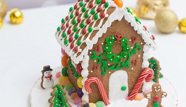 Gingerbread Houses - Tessa's - 2