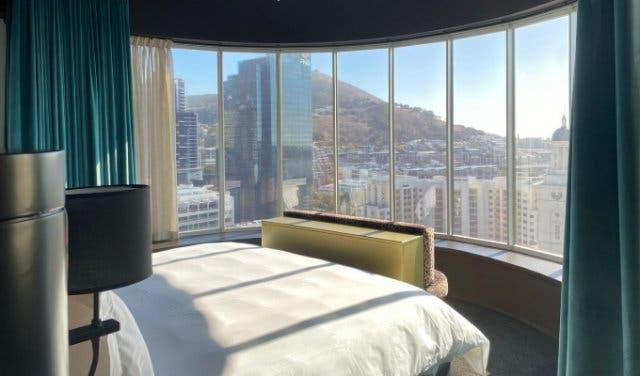 Hotel_Sky_Cape_Town_suite