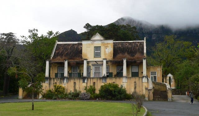 8 Creepy Cape Town Ghost Stories That'll Send Chills Down Your Spine