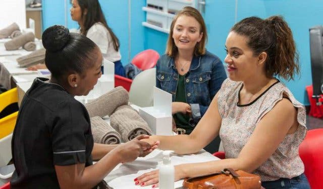 amazi nail and beauty bar in cape town