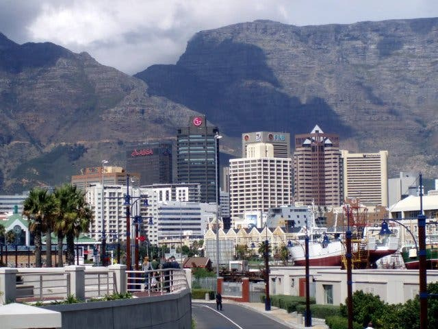 100% authentifié les mieux notés prix favorable Cape Town Launches Largest Residential Development