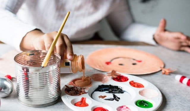 Gather The Kids For This Arts And Craft Workshop