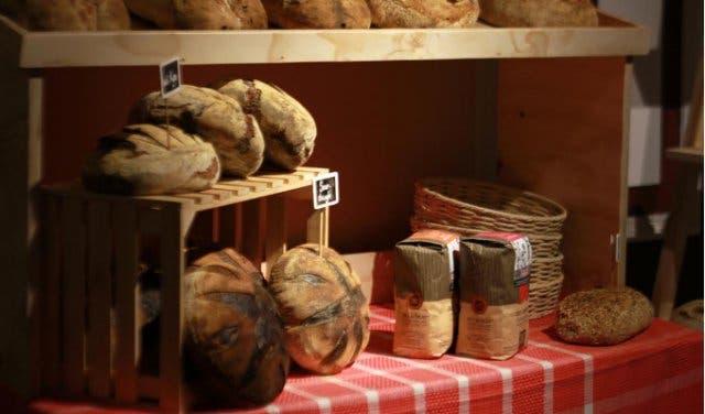 de warenmarkt food market in stellenbosch