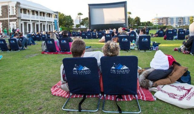 10x Open Boekenplanken : The galileo open air cinema at kirstenbosch
