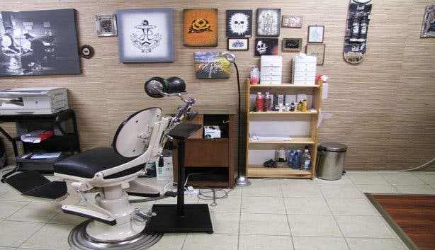Body art parlours piercing studios tattoo artists in for Tattoo shops studio city